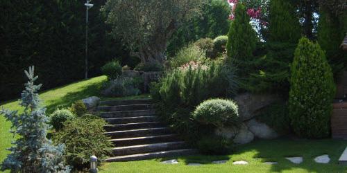 Empresa de jardinería Área Verda – Construcción y mantenimiento de ...