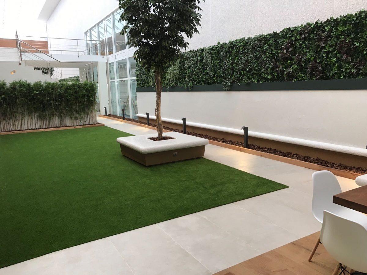 Dise o y construcci n de un patio interior empresa de for Diseno jardines exteriores 3d gratis