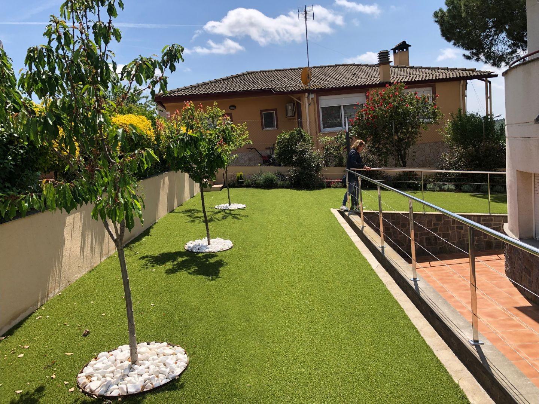 cesped artificial terraza jardineria barcelona