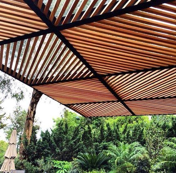 pergola jardin barcelona