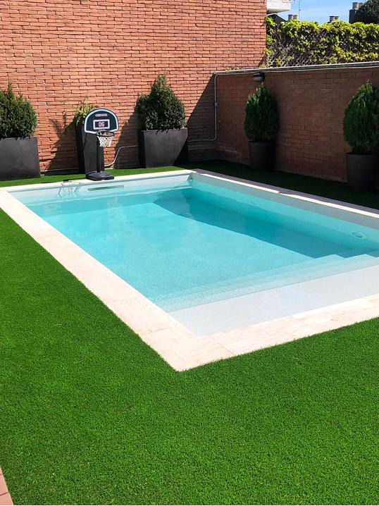 piscina blanca barcelona