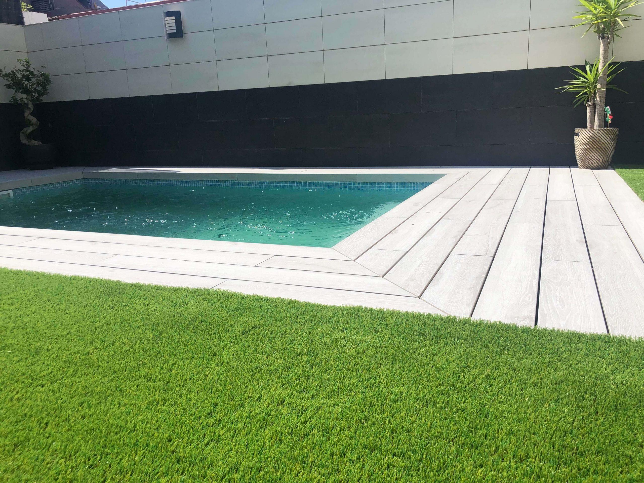 Instalar césped artificial en terraza