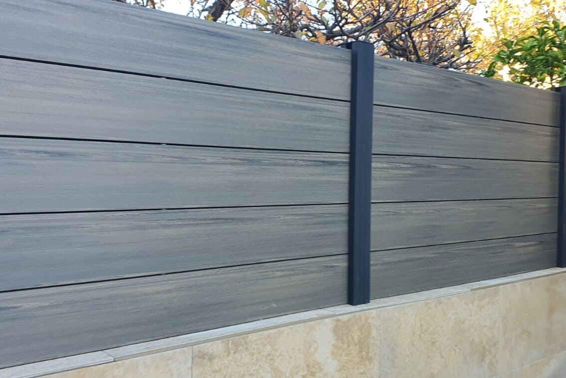 vallas imitación madera sintética